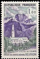 Massif du grand Bénard et église de Cilaos à la Réunion