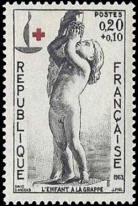 Croix rouge : L'enfant à la grappe par David d'Angers (1788-1856)